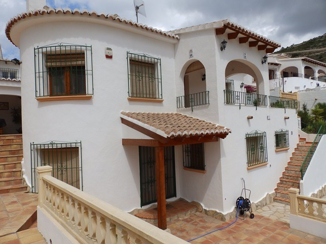 Jalon Valley Villa For Sale - €299,999
