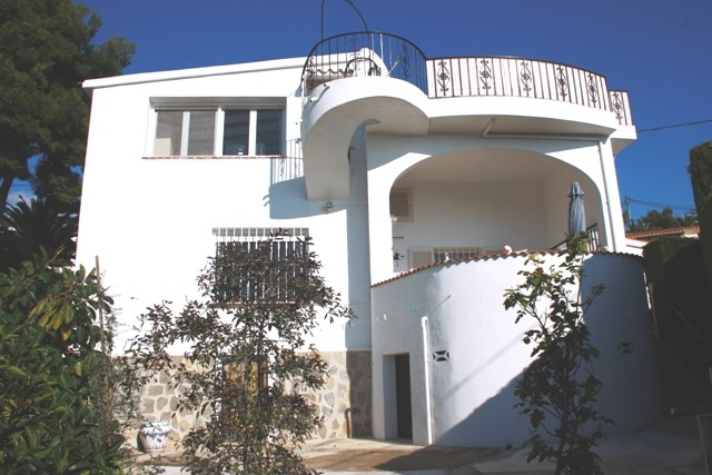 Benissa Coastal Villa For Sale - €239,000