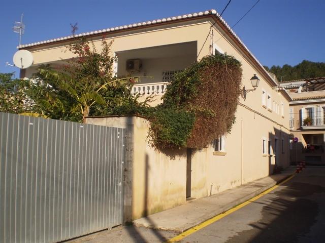 Jesus PobreTownhouse For Sale - €299,000