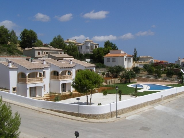Pedreguer Duplex For Sale - €180,000