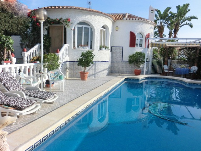 Campoamor Villa For Sale - €235,000