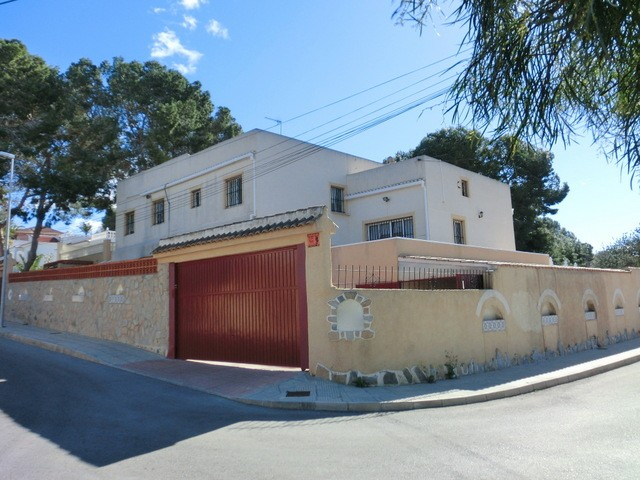 Los Balcones Villa For Sale - €340,000