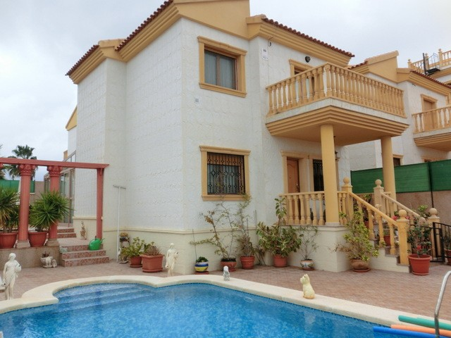Villamartin Villa For Sale - €330,000