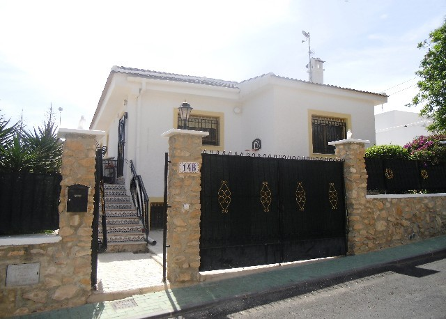 Pinar de Campoverde Villa For Sale - €239,995