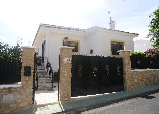 Villa in Pinar de Campoverde - €239,995 - Ref:804