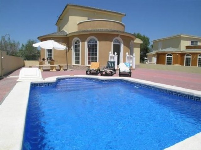 Pinar de Campoverde Villa For Sale - €289,000