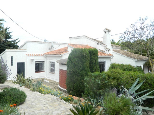 Javea Villa For Sale - €210,000