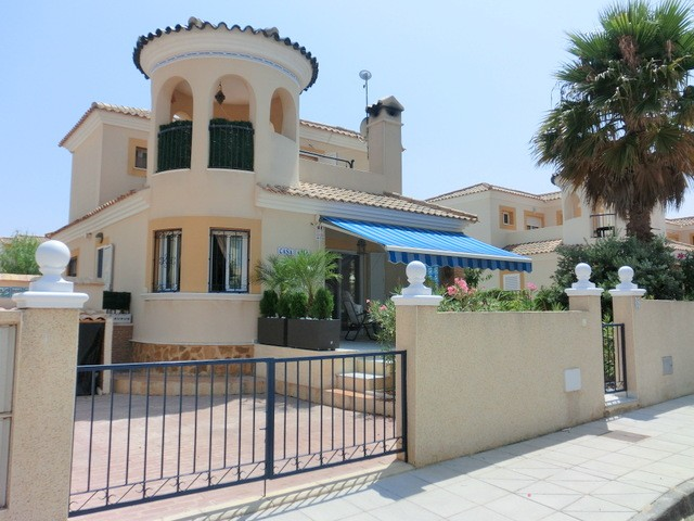 Pinar de Campoverde Villa For Sale - €169,000
