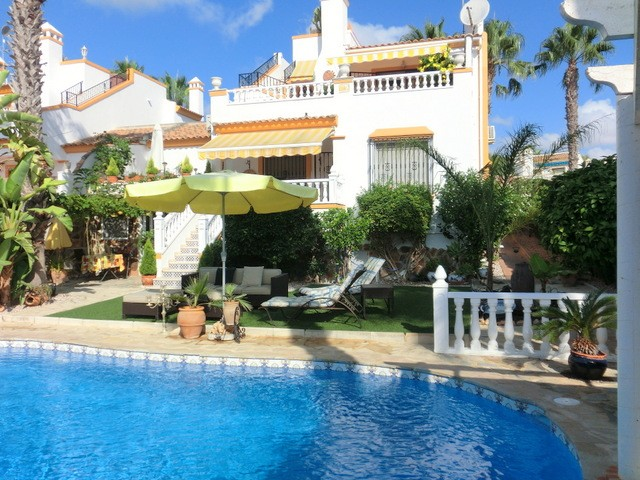 Villamartin Villa For Sale - €359,000