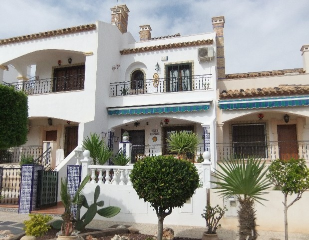 Townhouse in Villamartin - €128,000 - Ref:291