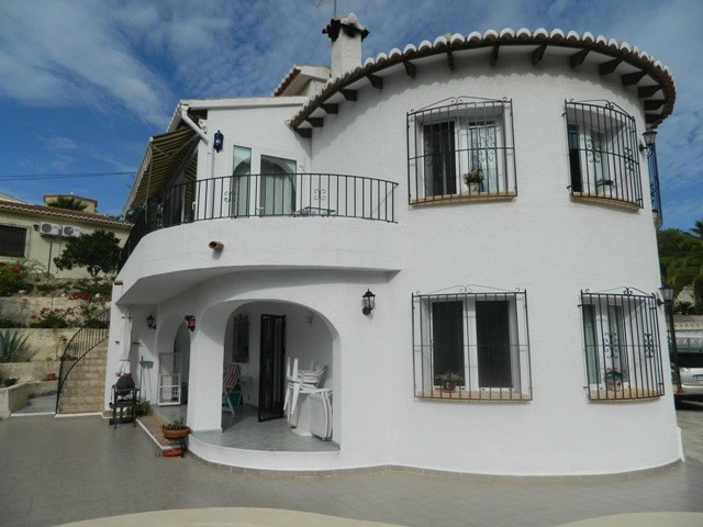 Moraira Villa For Sale - €385,000