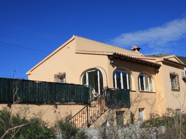 Jalon Villa For Sale - €249,000