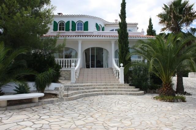 PedreguerVilla For Sale - €325,000