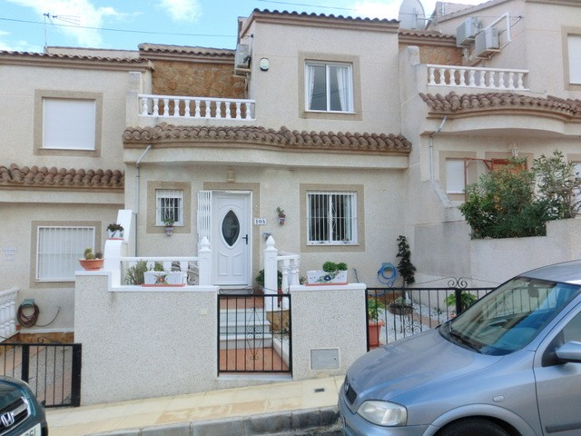 Villamartin Townhouse For Sale - €132,500