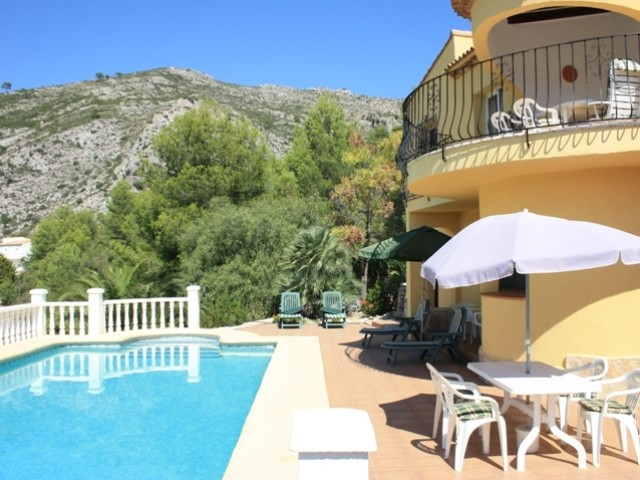 Jalon Villa For Sale - €380,000