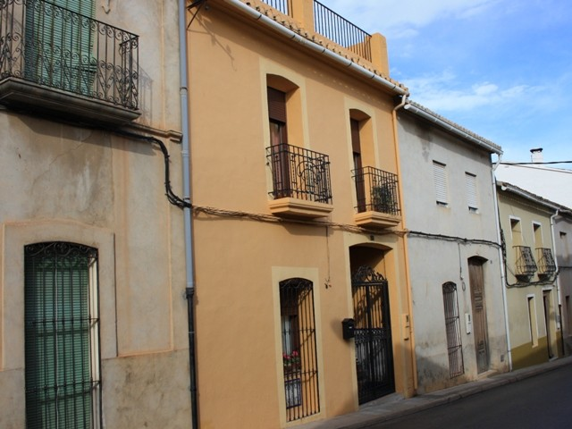 Townhouse in Sagra - €195,000 - Ref:660