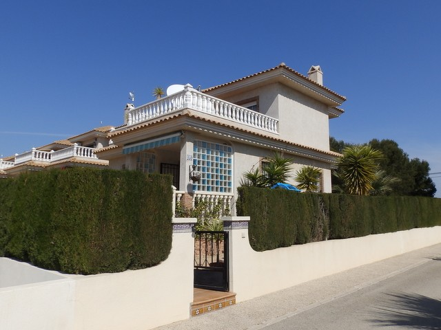 Los Dolses Villa For Sale - €185,000