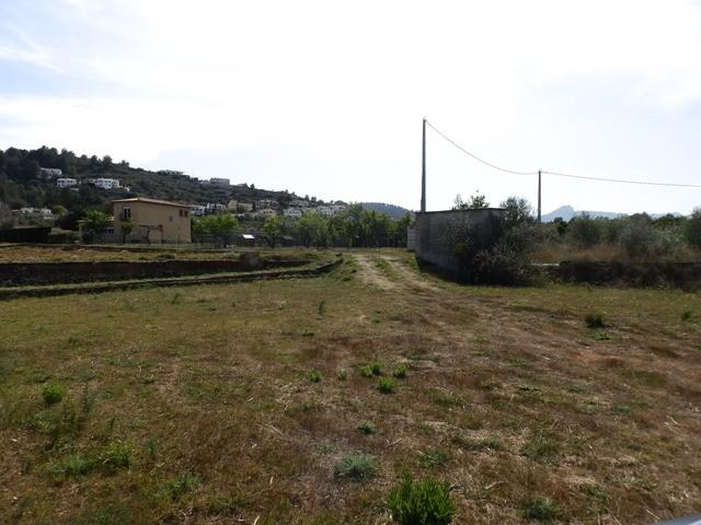 Land - €195,000 - Ref:657