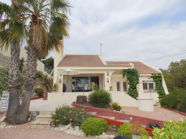 San Miguel de Salinas Villa For Sale - €275,000