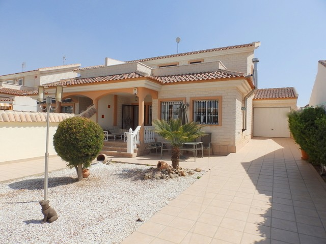 Los Dolses Villa For Sale - €250,000