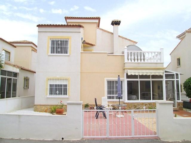 Villa in San Miguel de Salinas - €164,000 - Ref:512