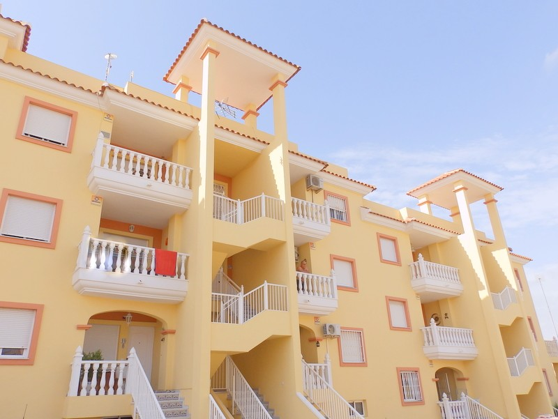 Villamartin Penthouse For Sale - €77,000