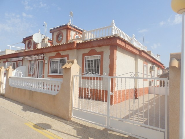 Playa Flamenca Bungalow For Sale - €125,000