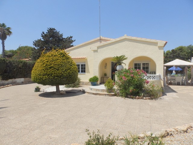La Zenia Villa For Sale - €530,000