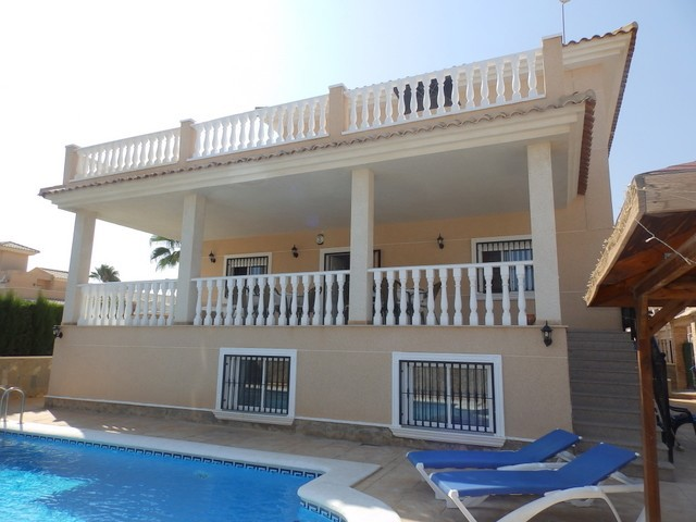 Los Altos Villa For Sale - €395,000