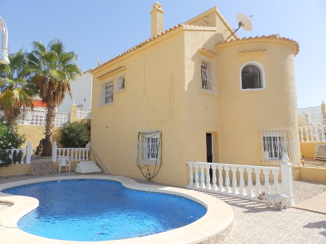 Villamartin Villa For Sale - €199,995