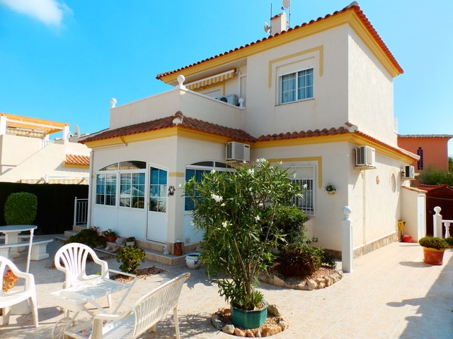 Los Altos Villa For Sale - €225,000