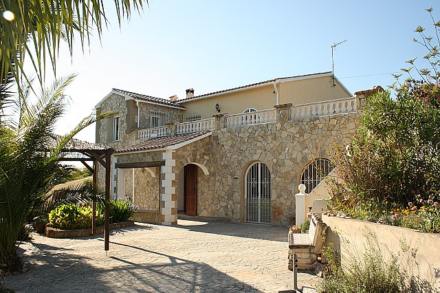 Jalon Valley Country Property For Sale - €450,000