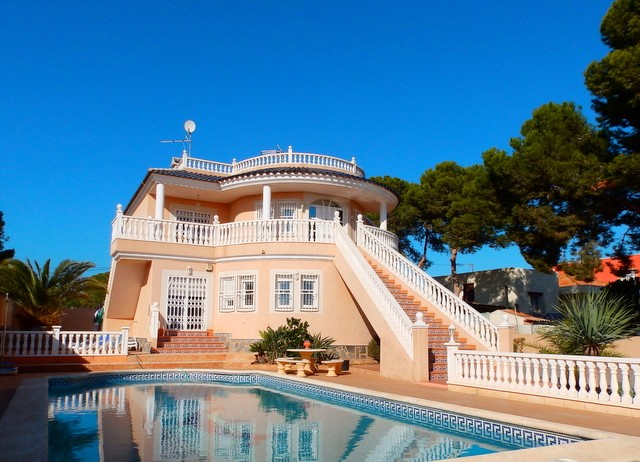 Campoamor Villa For Sale - €449,995