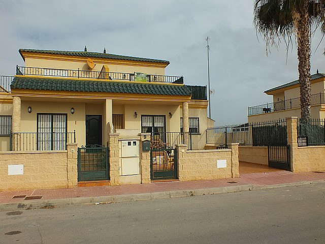 Daya Nueva Townhouse For Sale - €140,000