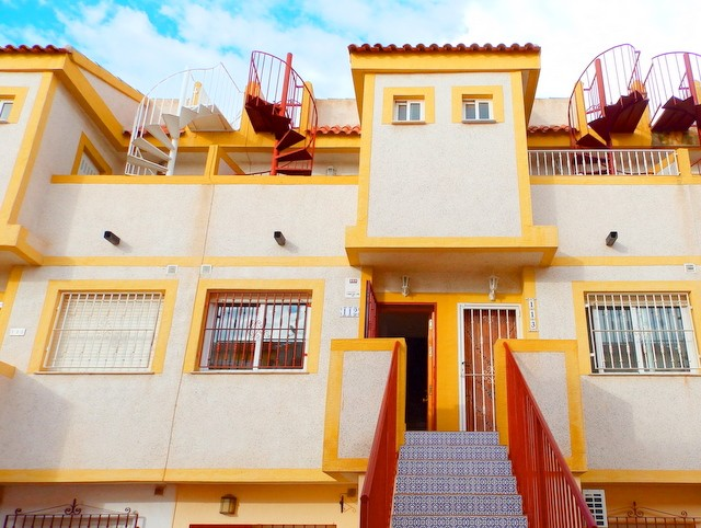 Duplex in Playa Flamenca - €77,000 - Ref:65