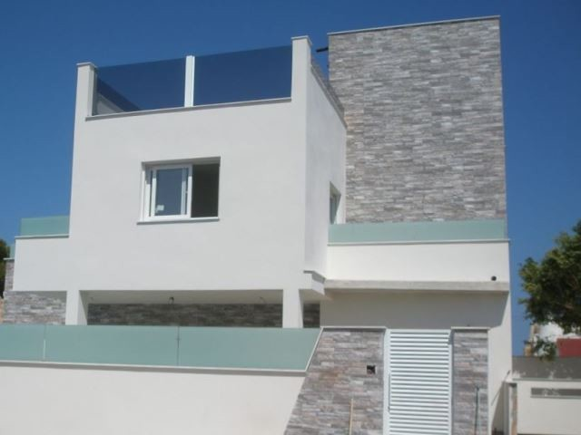 Mil Palmeras Villa For Sale - €399,000