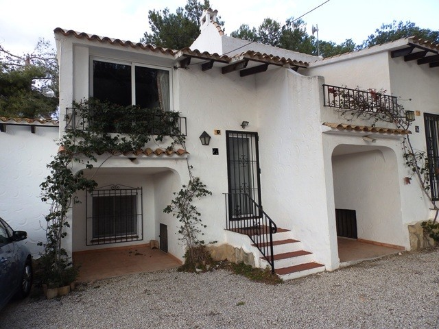 Moraira Townhouse For Sale - €125,000