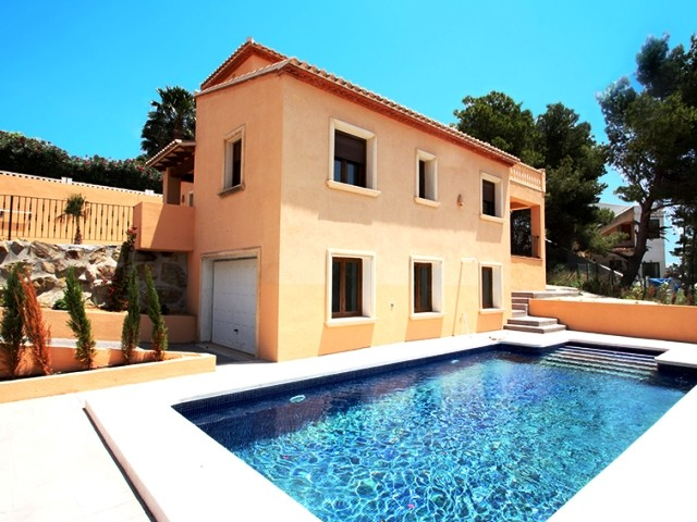 Benissa Coastal Villa For Sale - €390,000