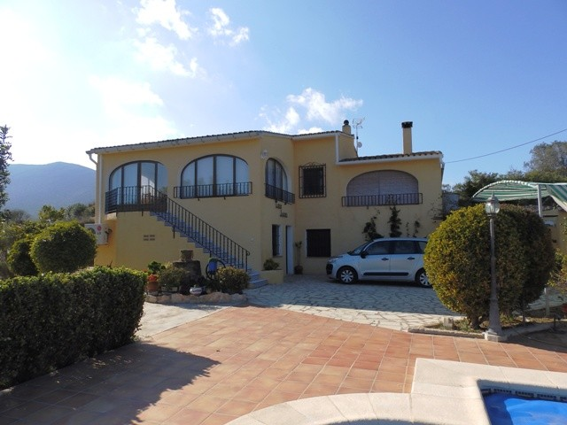 Benissa Villa For Sale - €370,000