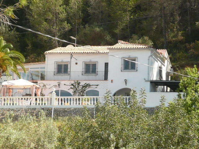Parcent Villa For Sale - €264,900