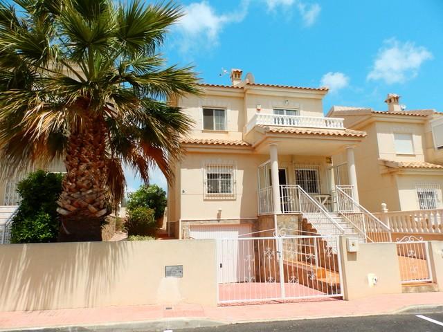 Villa in San Miguel de Salinas - €189,995 - Ref:634
