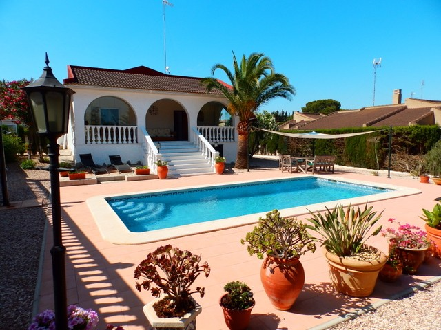 Los Balcones Villa For Sale - €335,000