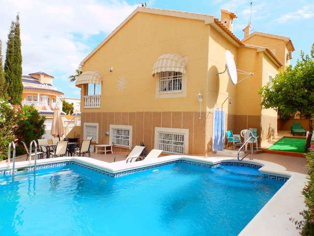 Los Altos Villa For Sale - €215,000