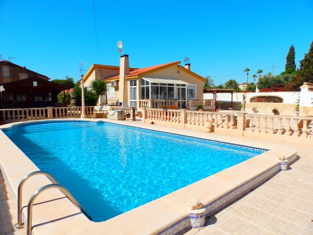 La Zenia Villa For Sale - €375,000