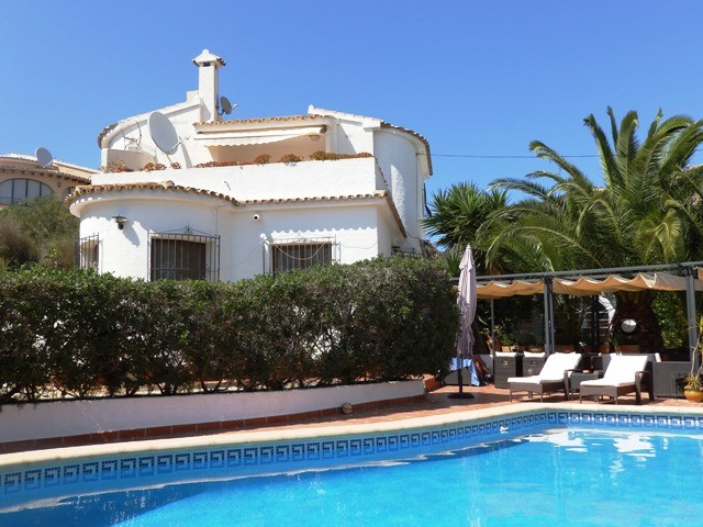 Moraira Villa For Sale - €285,000