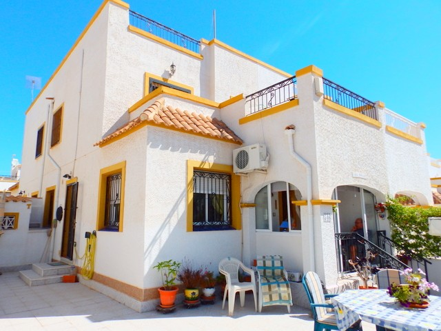 Los Altos Townhouse For Sale - €117,000