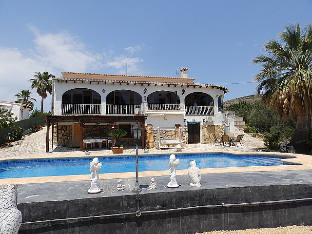 Parcent Villa For Sale - €285,000