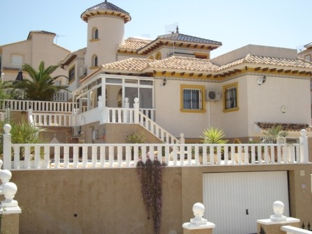 Villamartin Villa For Sale - €290,000