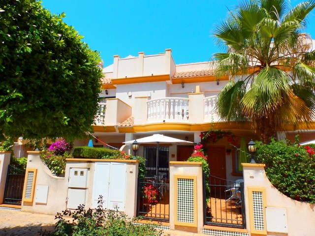 Townhouse in Cabo Roig - €142,500 - Ref:389
