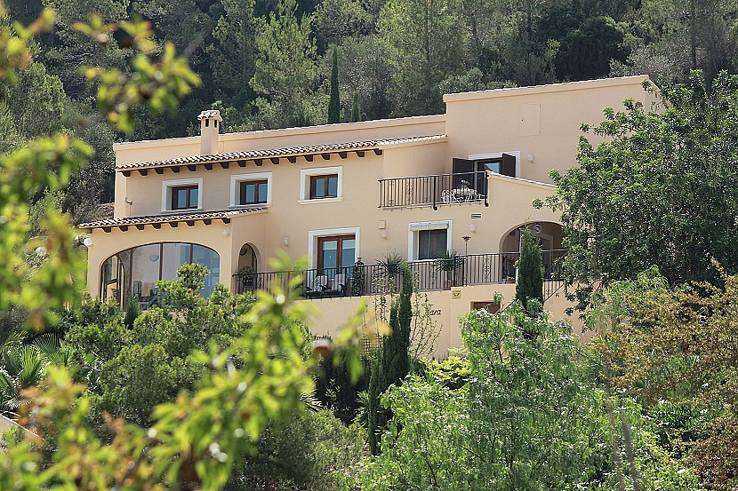 Jalon Valley Villa For Sale - €395,000